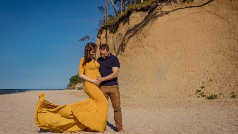 Kasia i Łukasz - sesja ciążowa nad morzem