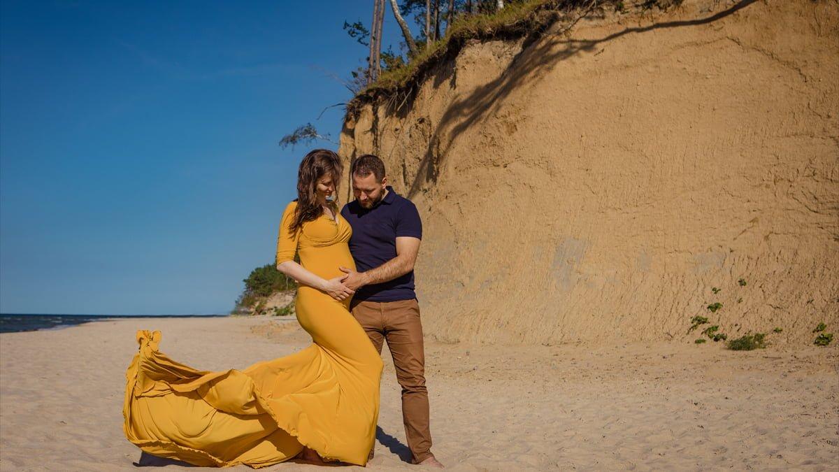 Kasia i Łukasz – sesja ciążowa nad morzem