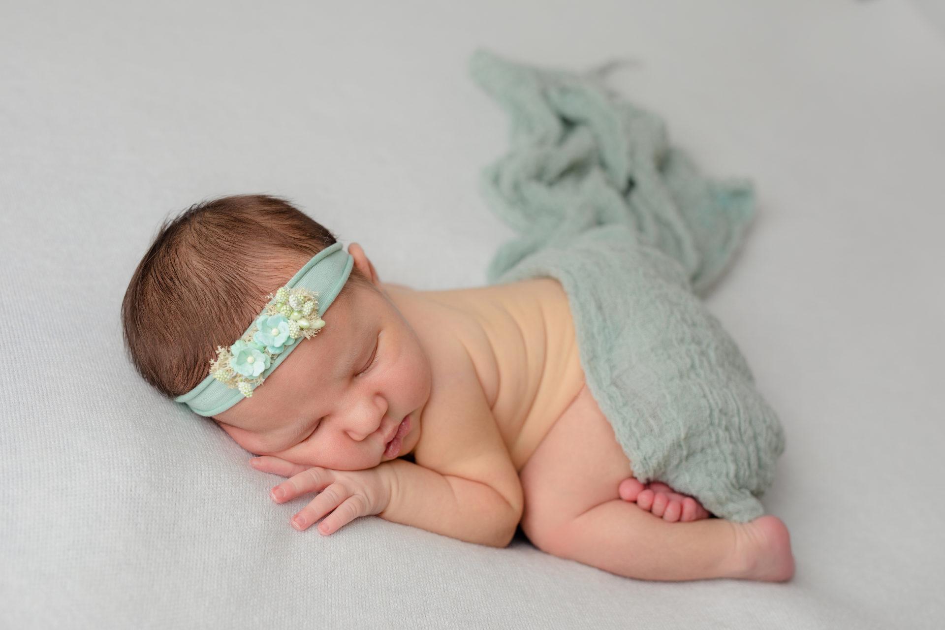 Julia – sesja noworodkowa w Białogardzie