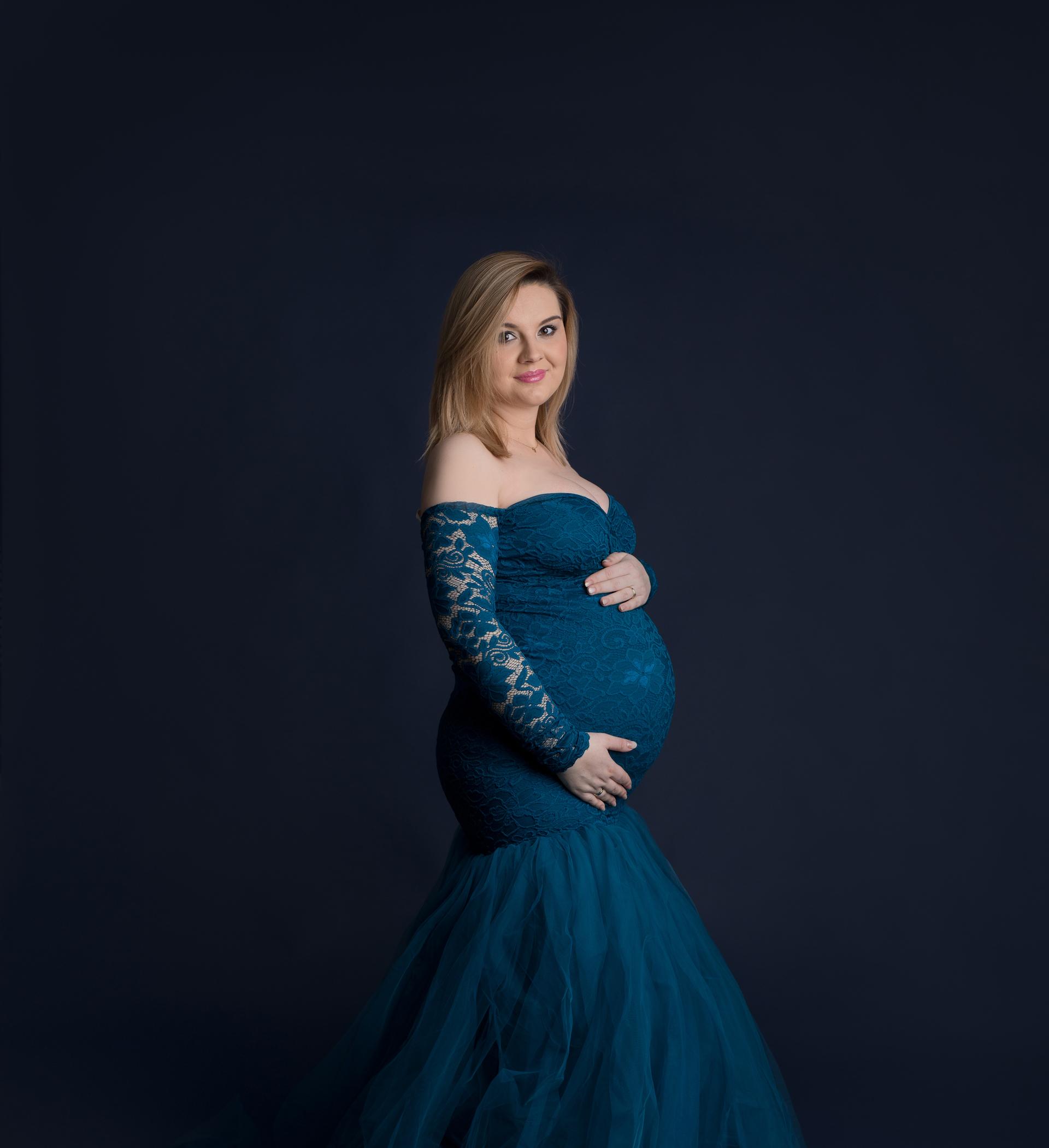 Ania – kolorowa sesja ciążowa w studio